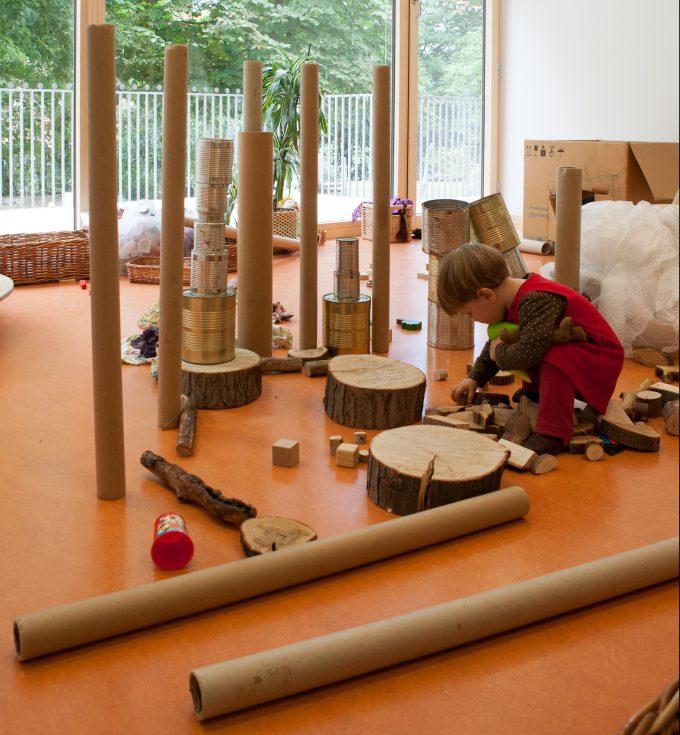 Sinn volle spielmaterialien f r krippenkinder for Raumgestaltung in der krippe